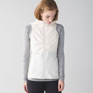 Lululemon Kanto Catch Me Vest Angel Wing/Ghost Dot